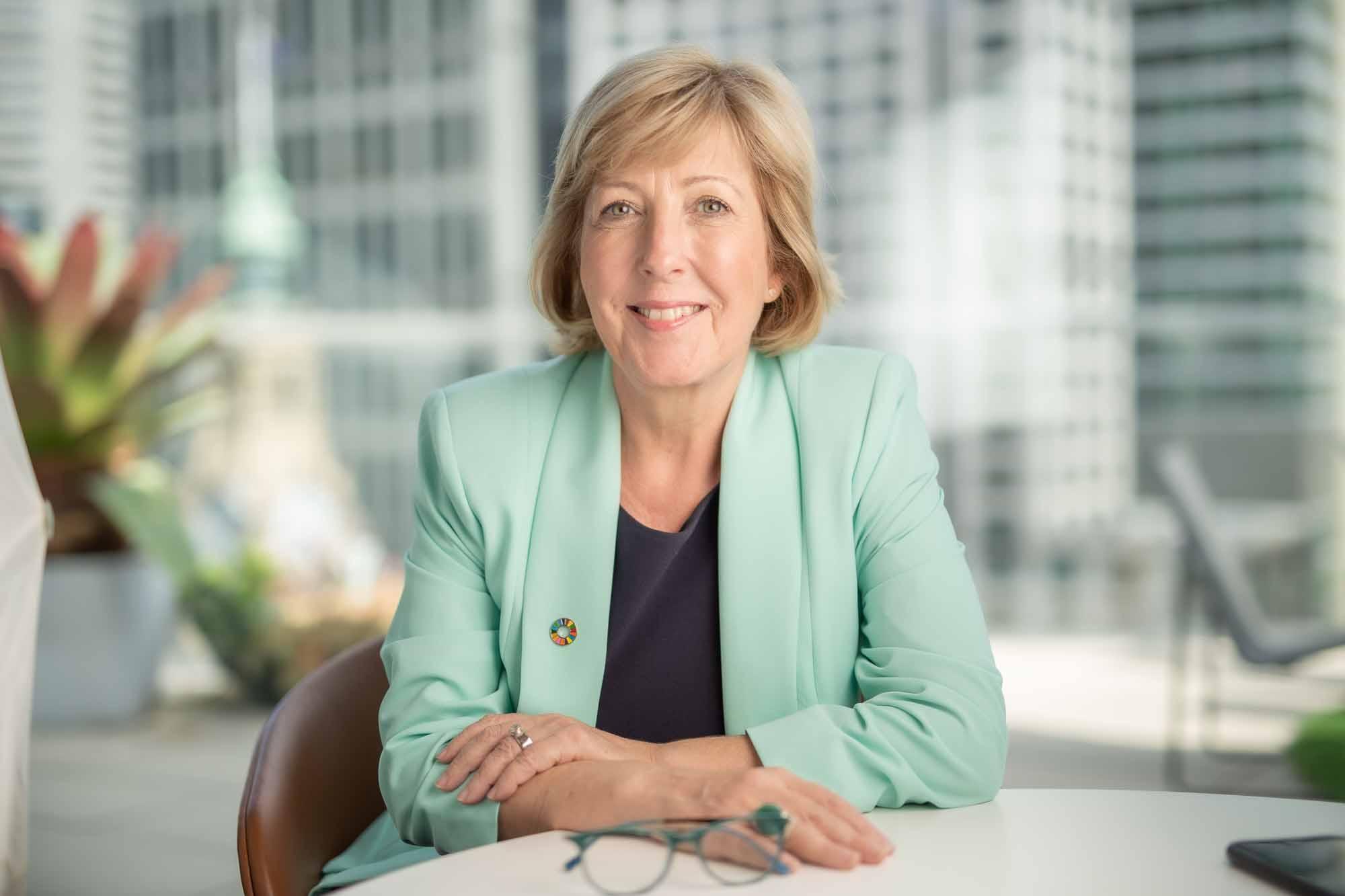 PRI CEO Fiona Reynolds to step down